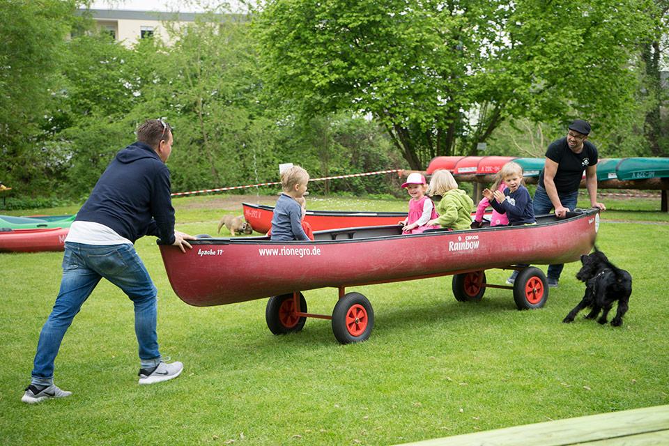 Kanutouren mit Kindern